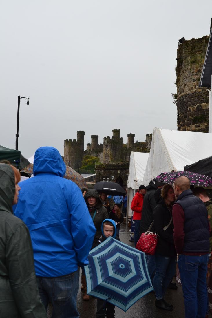 Large crowd despite the rain